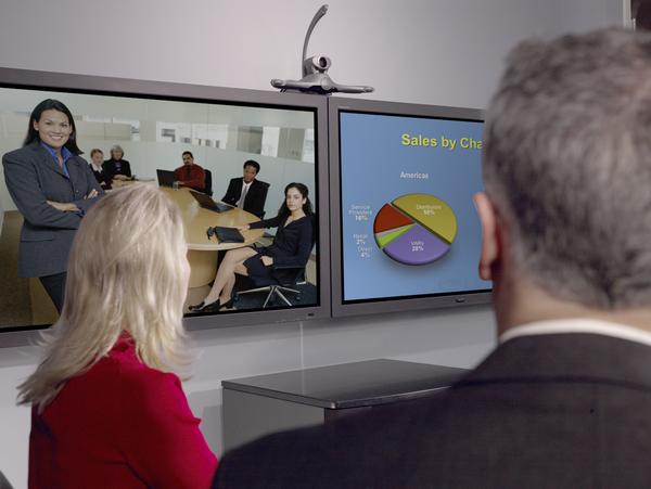 Konferenzraum mit Videokonferenz Telepresence